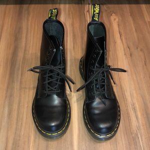 Dr. Martens Original Patent Leather Black Boots 7